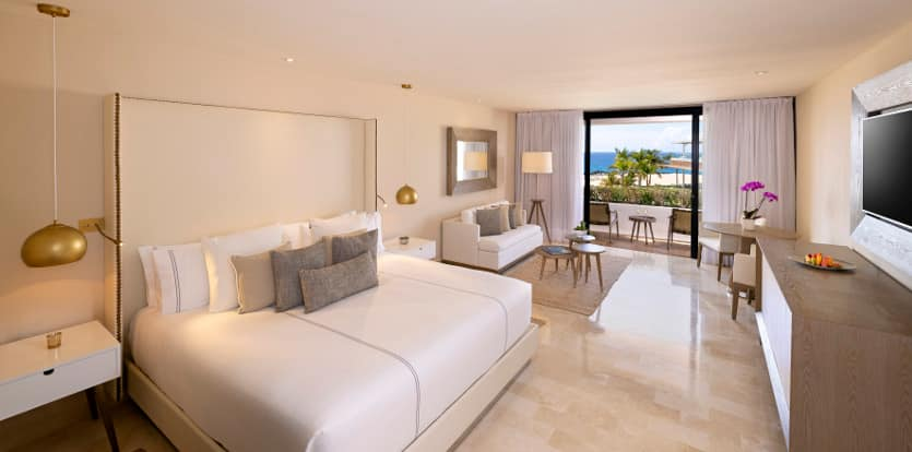 12ParadisusLosCabos-RoyalServiceOceanFrontSuite.jpg